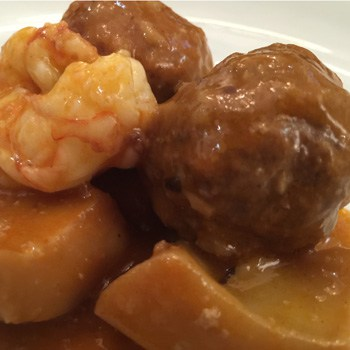 Meatballs with cuttlefish and prawns