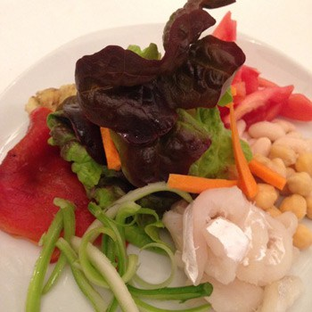 Empedrat (cod and haricot beans salat)